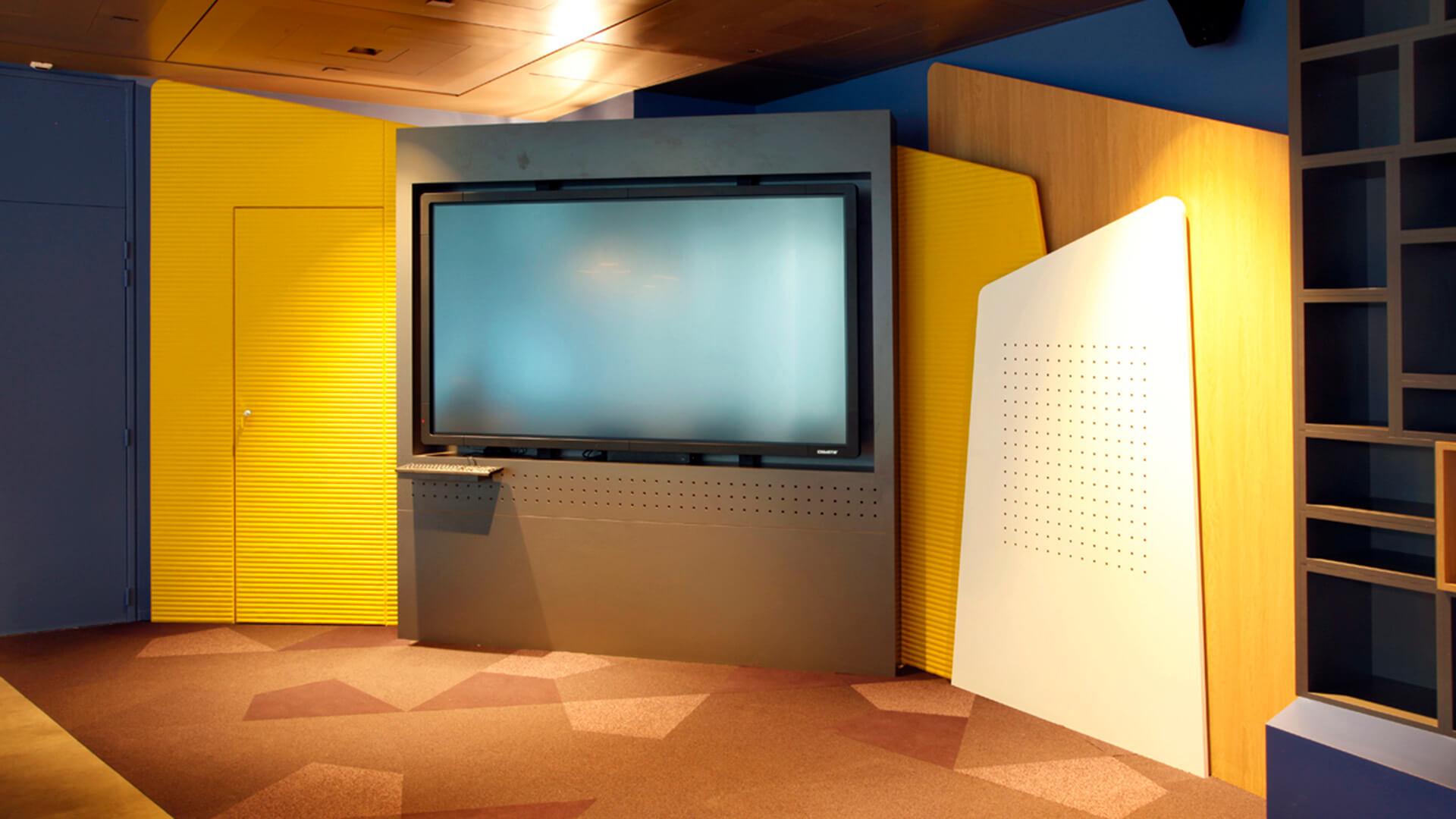 Niveau à écran interactif